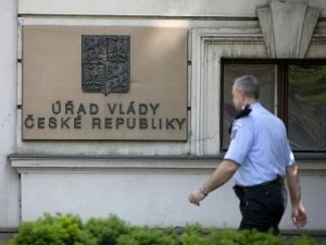 praha-razie-vlada-zatykani-4_denik-380